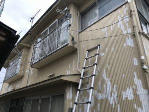 本日、T様アパート外壁南面錆止め塗装及び上塗り塗装及び東面北面外壁錆止めタッチアップ上塗りタッチアップを行いました。